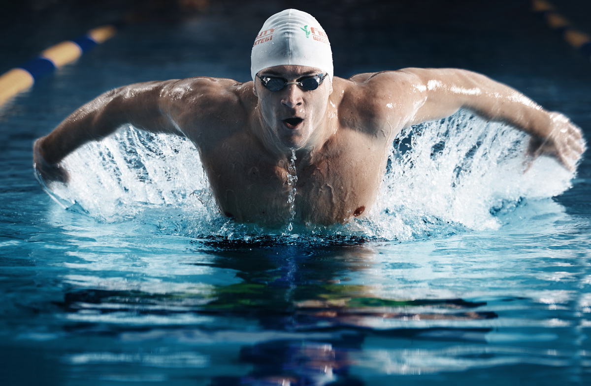 The basic muscles that work when swimming